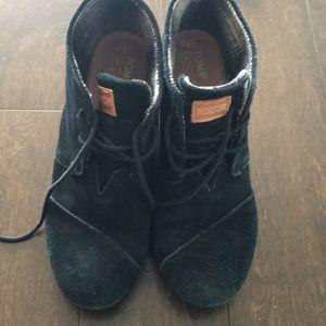 Black wedge Toms - very worn!